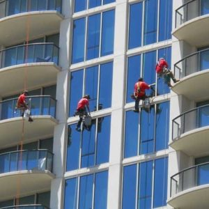 high-rise-window-cleaning